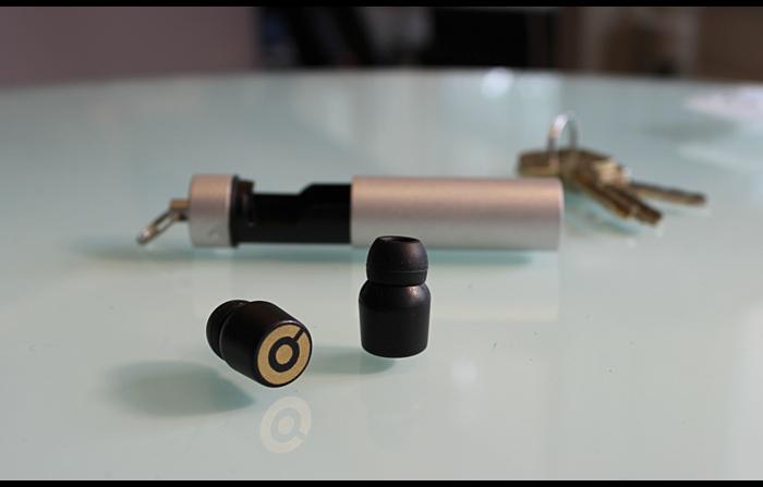 『Earin(イヤリン)』耳栓サイズの超小型Bluetoothイヤホン