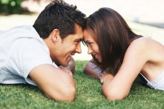 「見つめ合うカップル」の画像検索結果