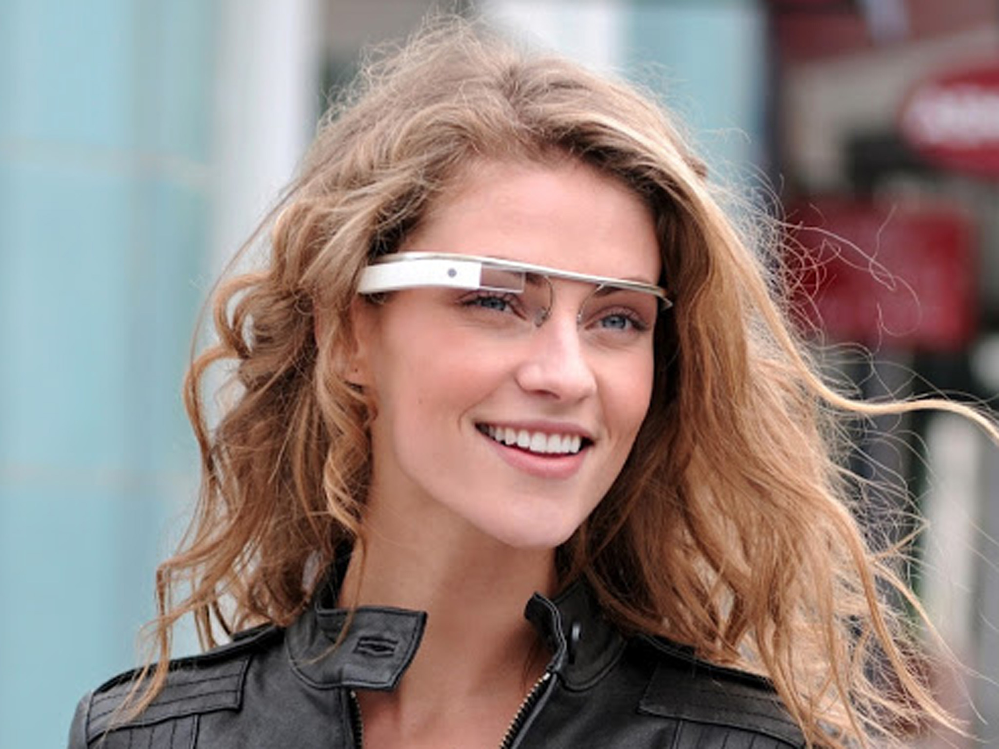 キター!!!Googleグラスが絶対に欲しくなる2分16秒の最新動画「OK, Glass!!」