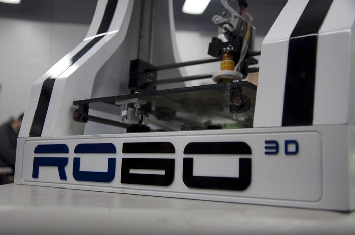 3Dプリンター『Replicator2』と『RoBo 3D Printer』の比較まとめ