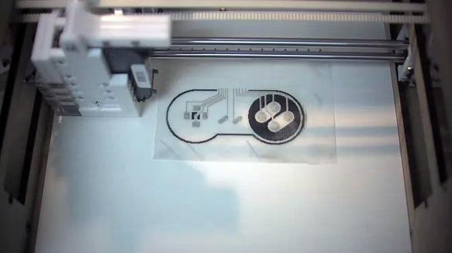 電子回路をプリントできる3Dプリンター『EX1』、Kickstarterで登場