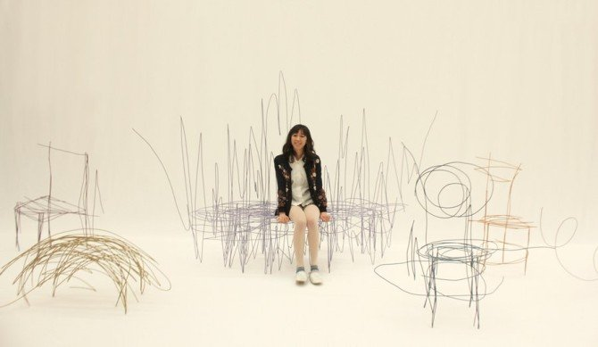本物のラフスケッチのようなトリックアート家具『ラフスケッチ プロダクト』